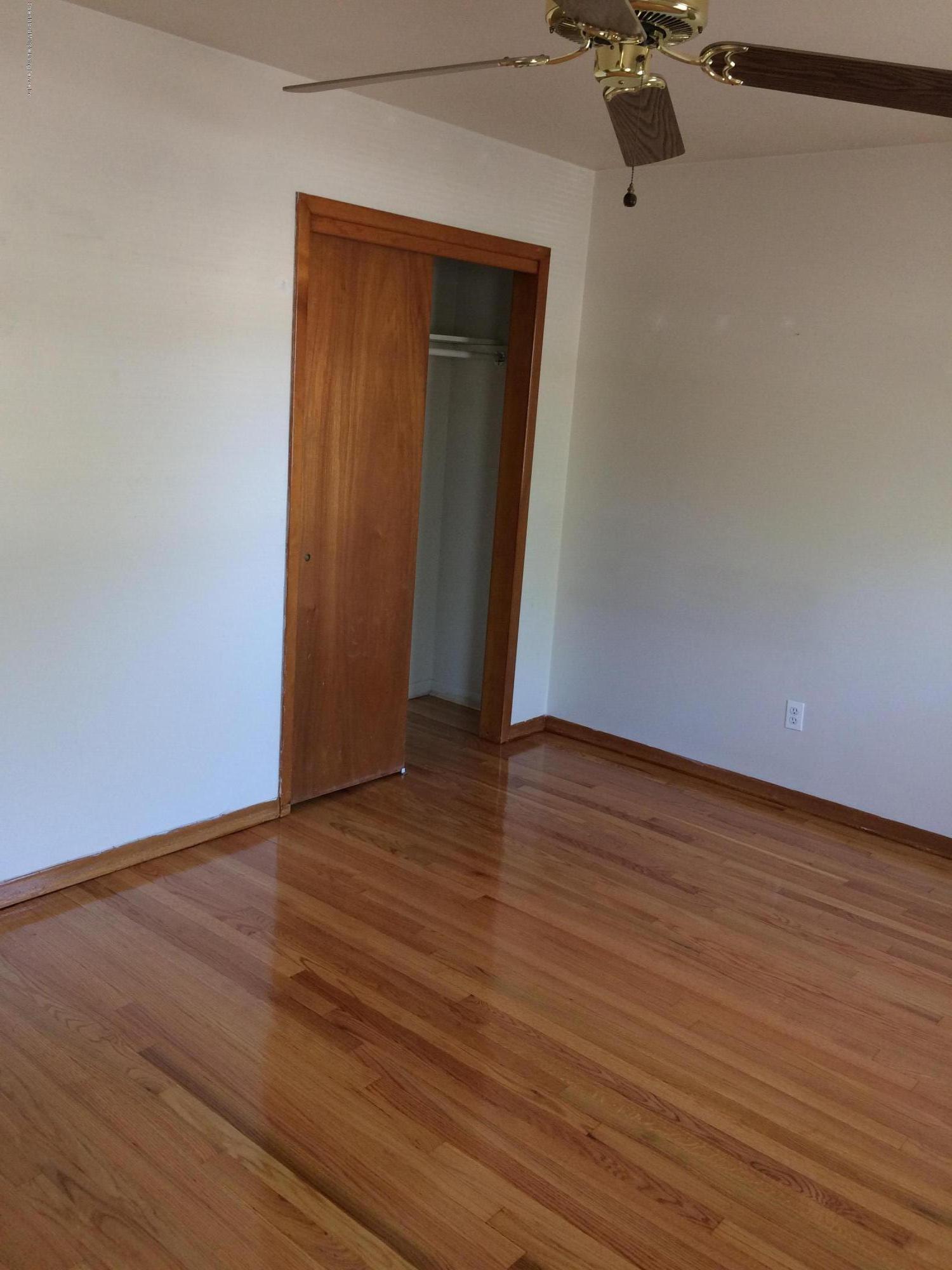 Single Family - Semi-Attached 30 Bent Street  Staten Island, NY 10312, MLS-1130498-8