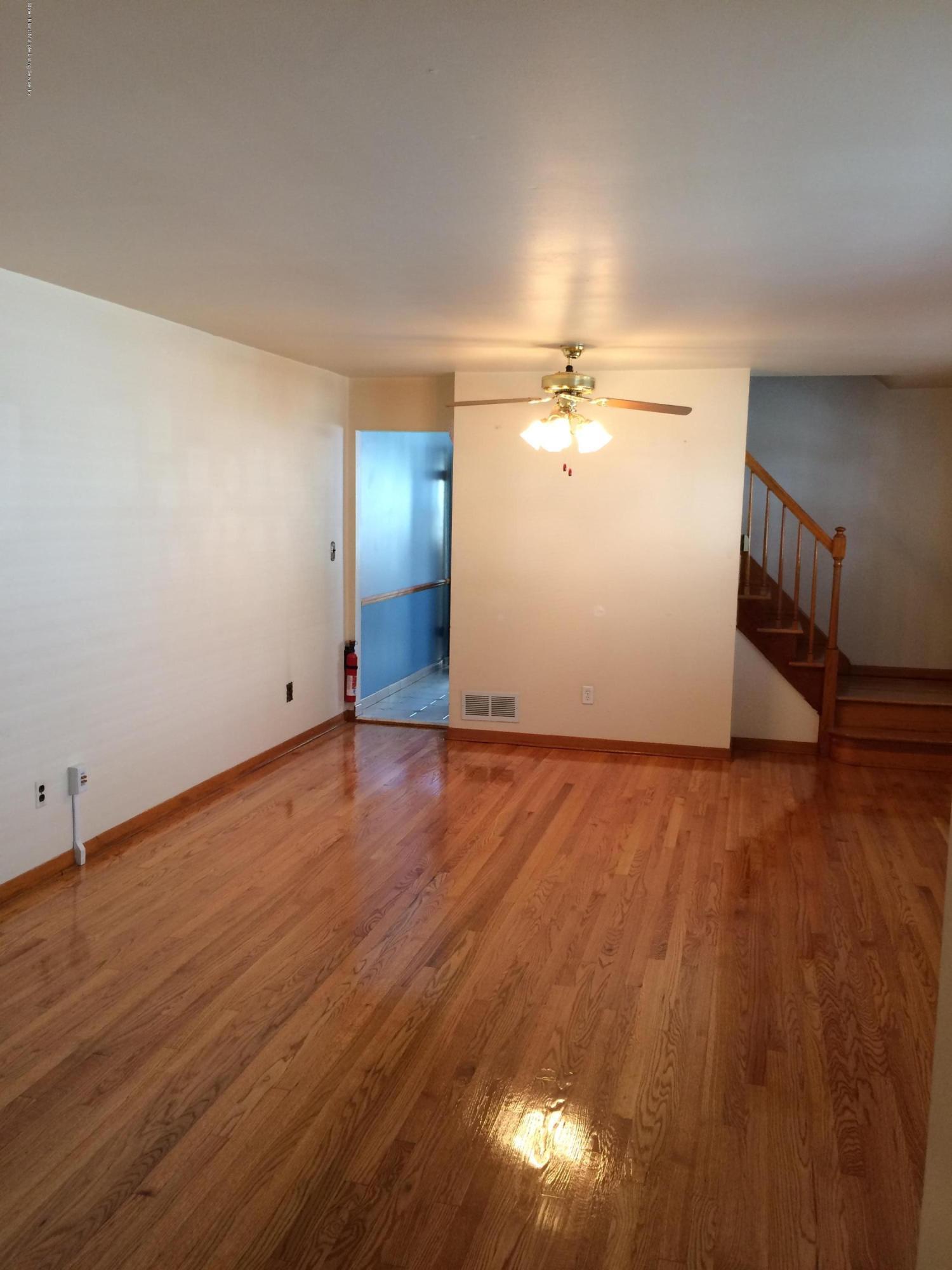 Single Family - Semi-Attached 30 Bent Street  Staten Island, NY 10312, MLS-1130498-2