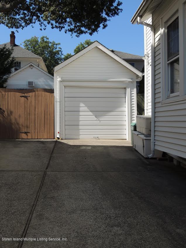 Single Family - Detached 830 Carlton Boulevard  Staten Island, NY 10312, MLS-1132285-15