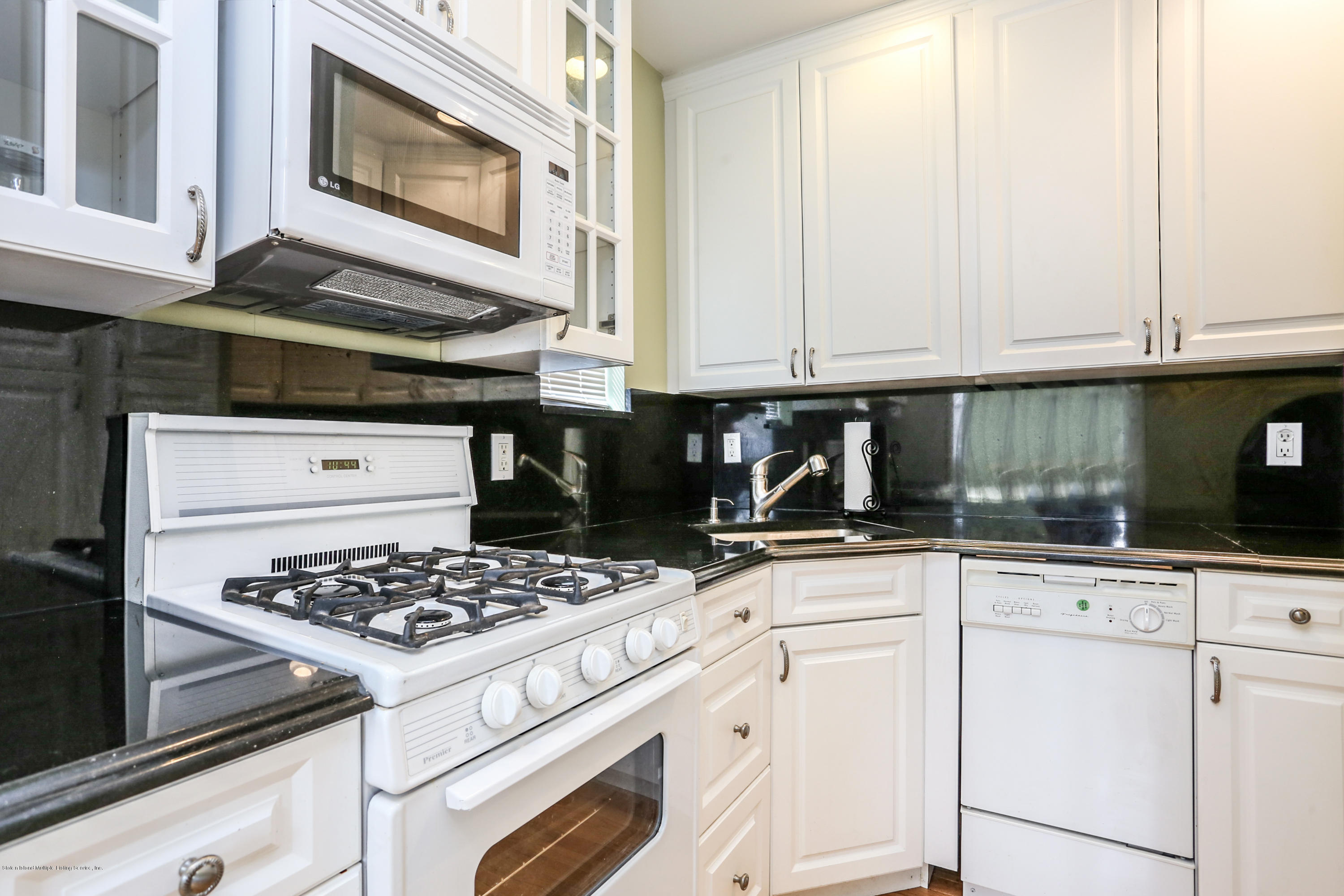 Two Family - Detached 272 Slosson Avenue  Staten Island, NY 10314, MLS-1132759-21