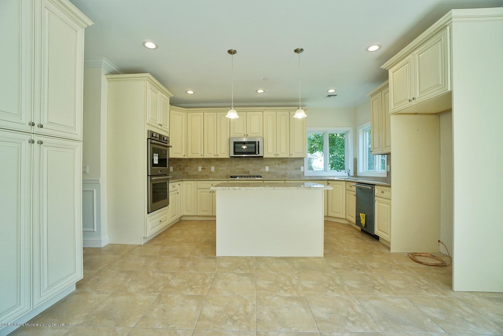 Single Family - Detached 678 Yetman Avenue  Staten Island, NY 10307, MLS-1132766-21