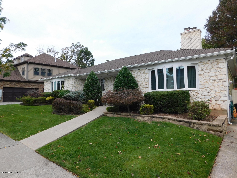 Single Family - Detached in Princes Bay - 229 Albourne Avenue  Staten Island, NY 10309