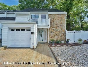 137 Carlyle Green, Staten Island, NY 10312