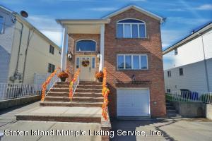 20 Samantha Lane, Staten Island, NY 10309