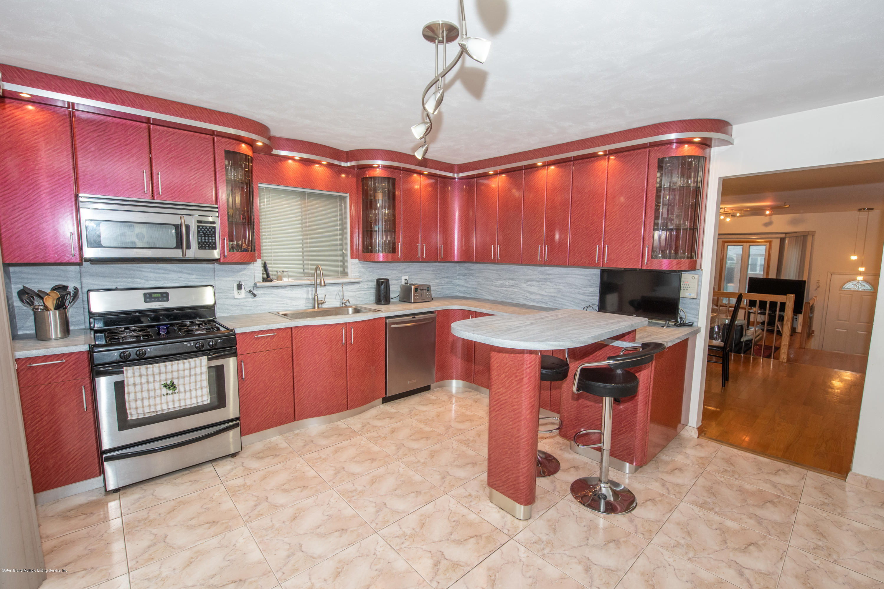 Single Family - Semi-Attached 76 Mcveigh Avenue  Staten Island, NY 10314, MLS-1133370-10