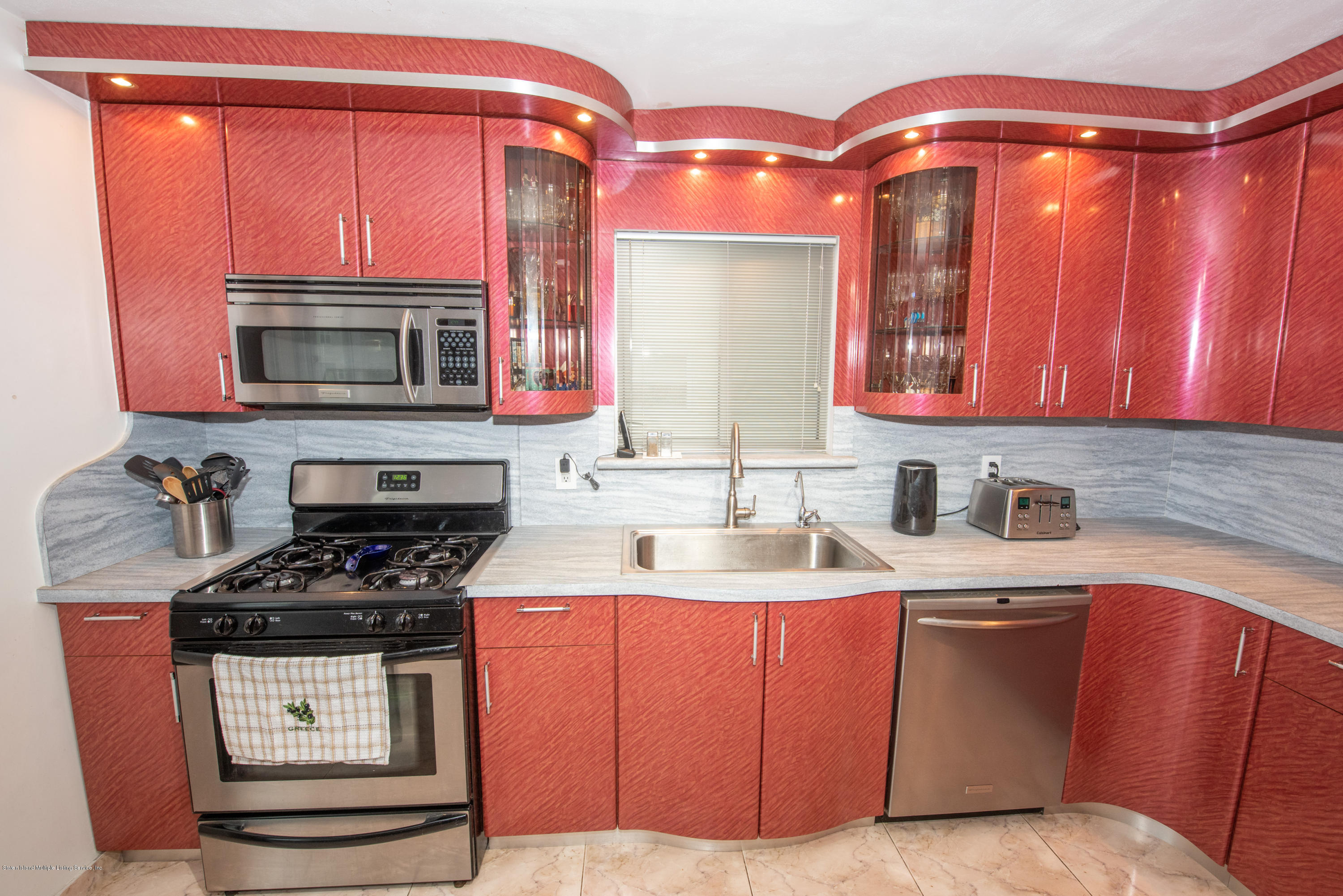 Single Family - Semi-Attached 76 Mcveigh Avenue  Staten Island, NY 10314, MLS-1133370-13