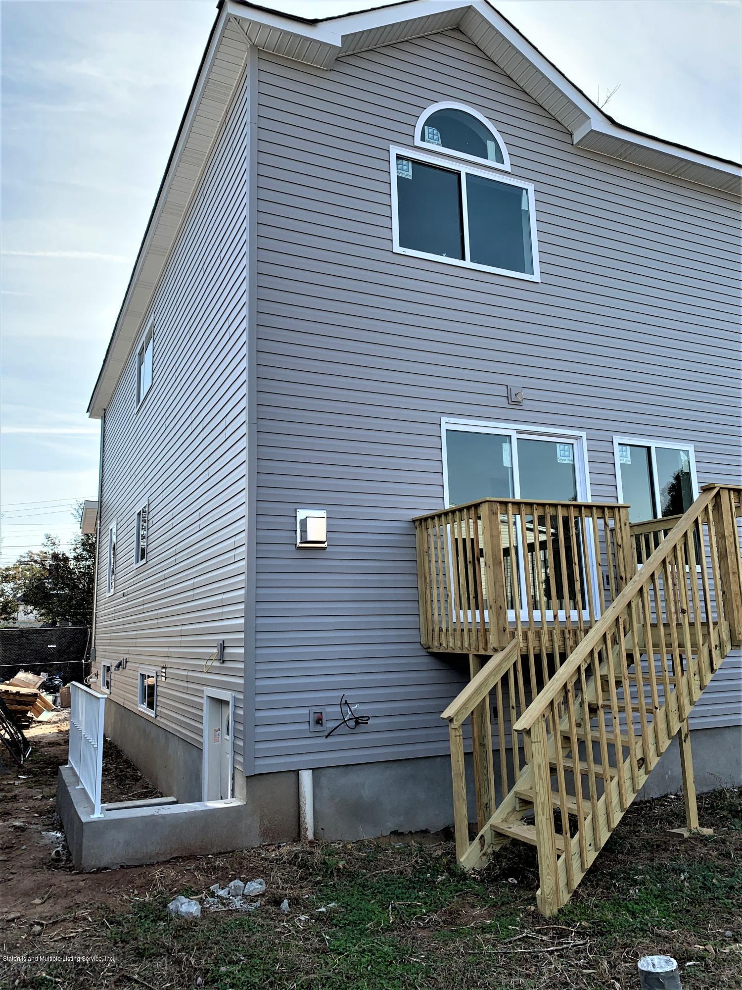 Single Family - Semi-Attached 257 Kiswick Street  Staten Island, NY 10306, MLS-1132826-36