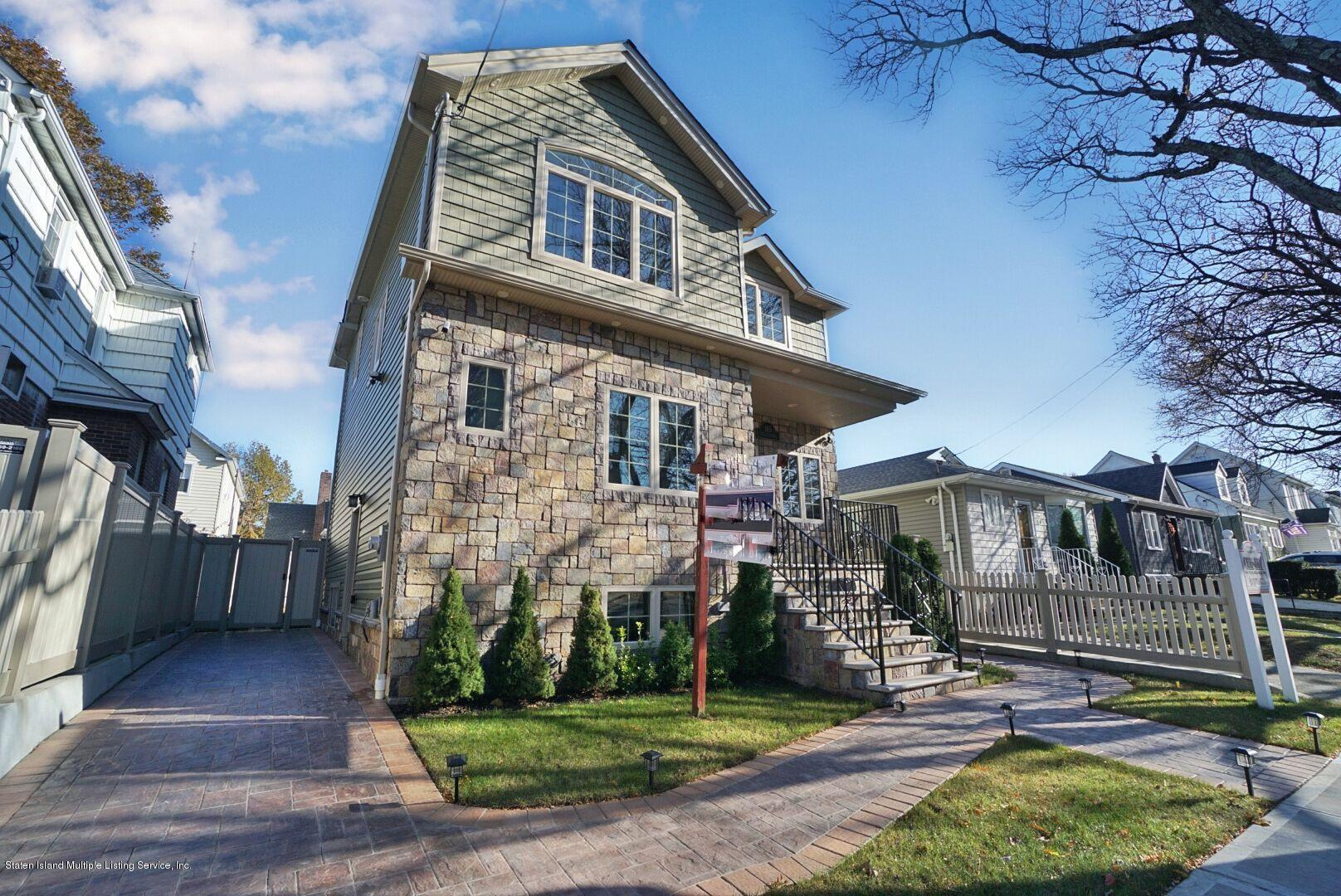 Single Family - Detached in Westerleigh - 165 Woolley Avenue  Staten Island, NY 10314