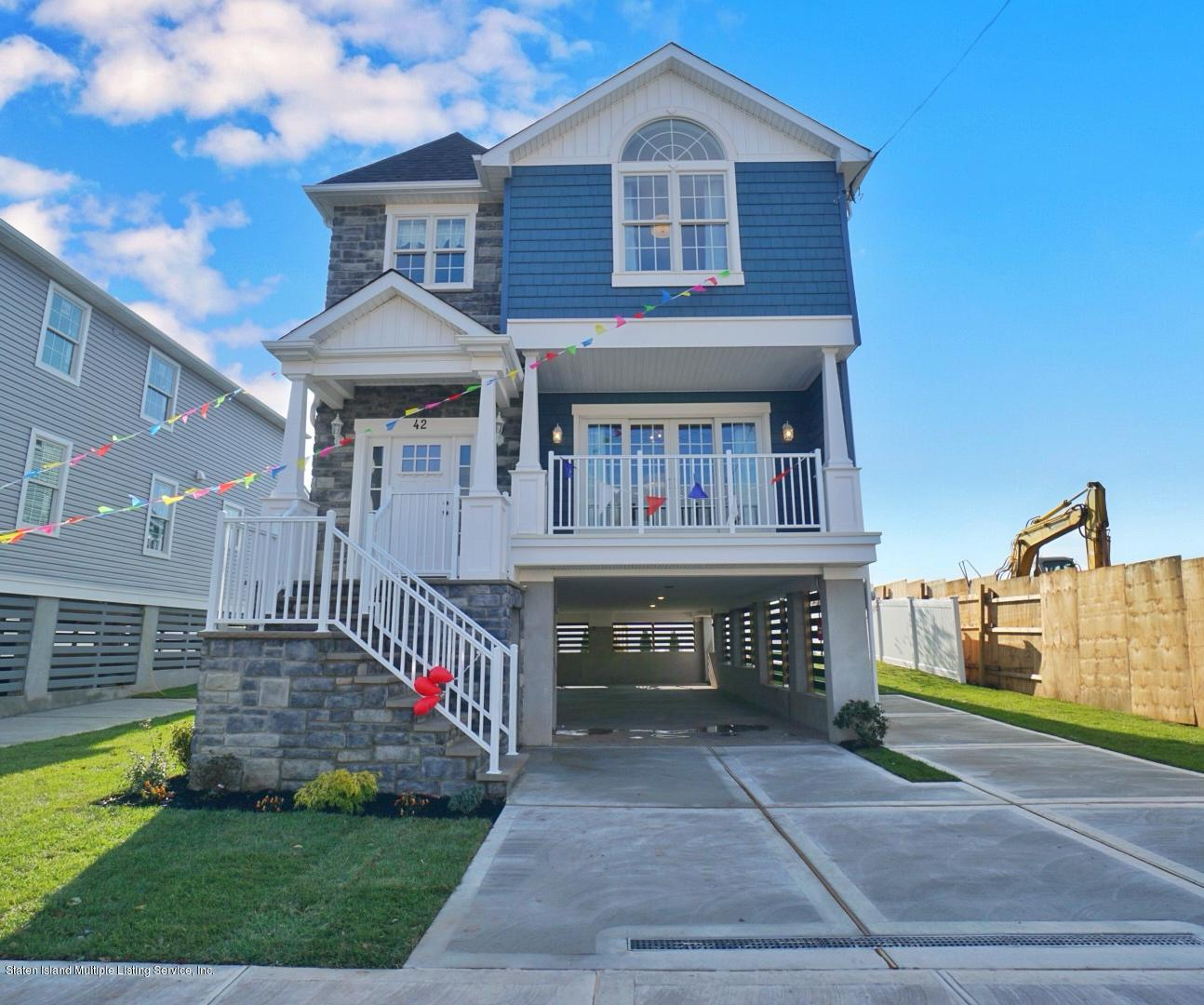 Single Family - Detached in Princes Bay - 26 Purdy Place  Staten Island, NY 10309