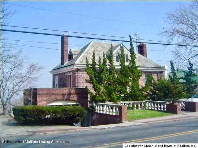 Single Family - Detached in Grymes Hill - 255 Howard Ave   Staten Island, NY 10301
