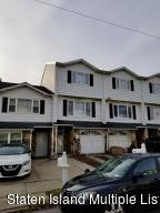 38 Carlyle Green, Staten Island, NY 10312