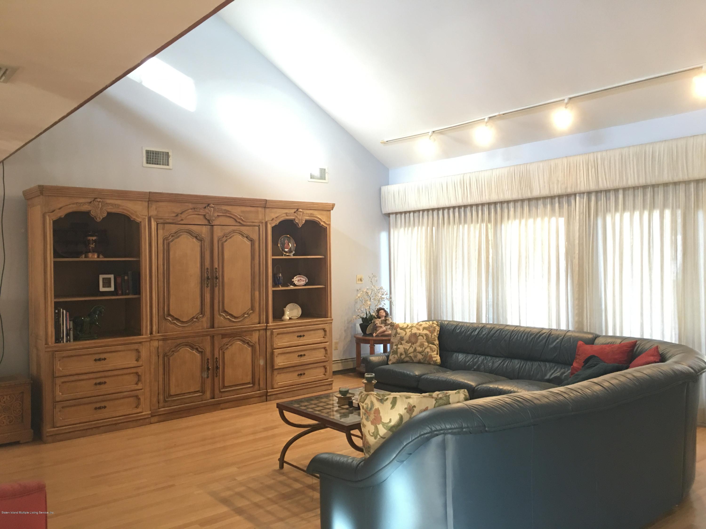 Single Family - Detached 731 Metropolitan Avenue  Staten Island, NY 10301, MLS-1134021-8