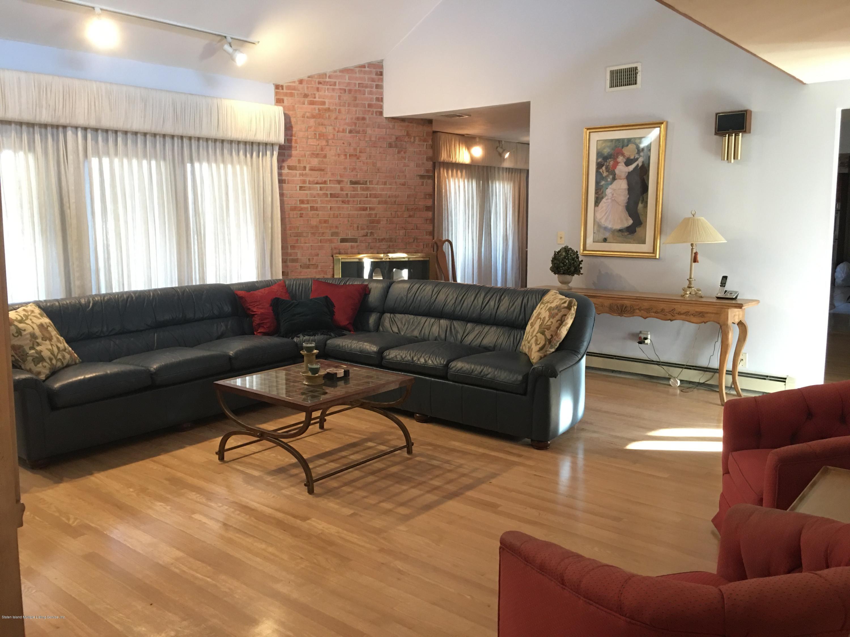 Single Family - Detached 731 Metropolitan Avenue  Staten Island, NY 10301, MLS-1134021-10