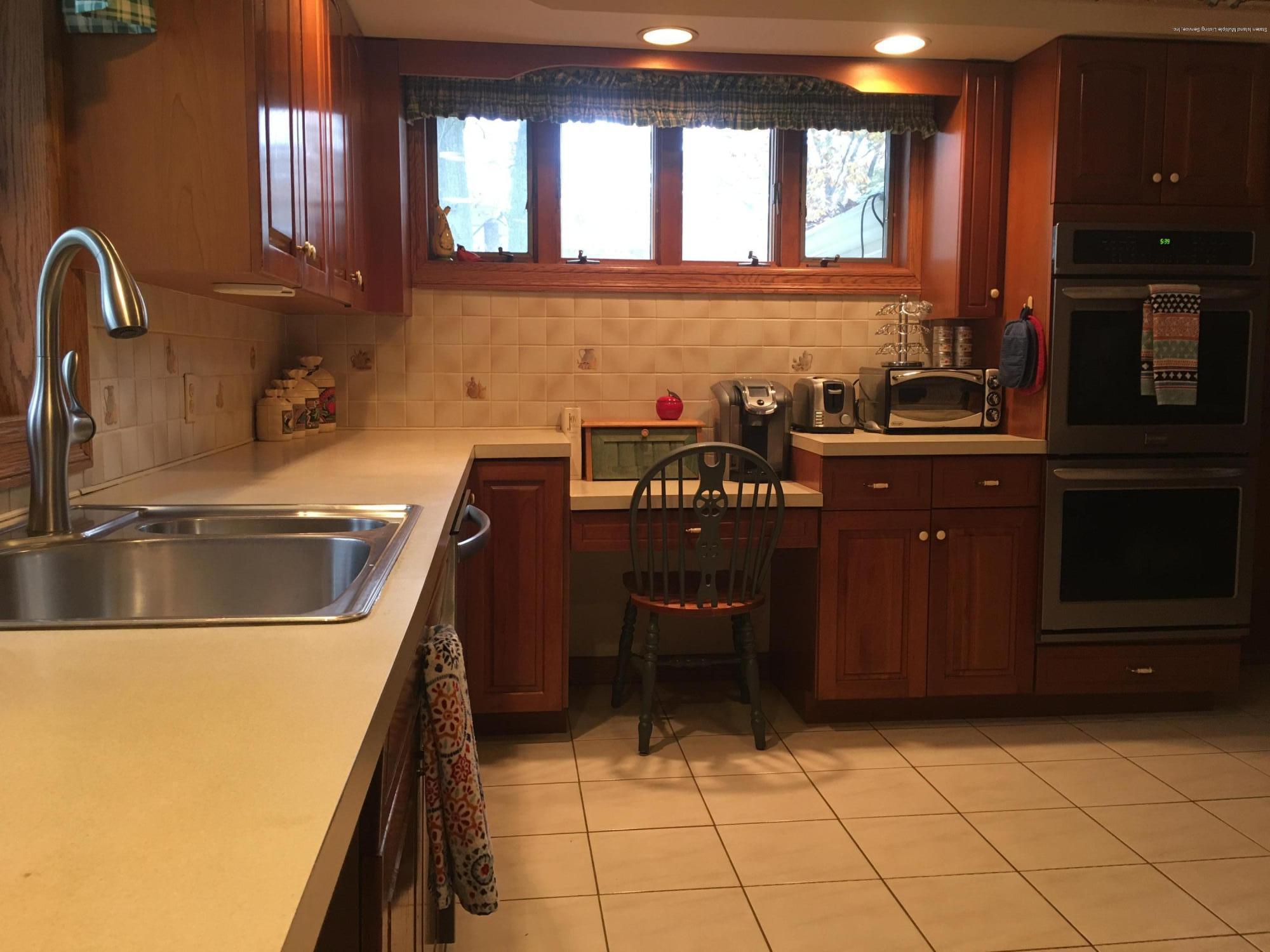 Single Family - Detached 731 Metropolitan Avenue  Staten Island, NY 10301, MLS-1134021-19
