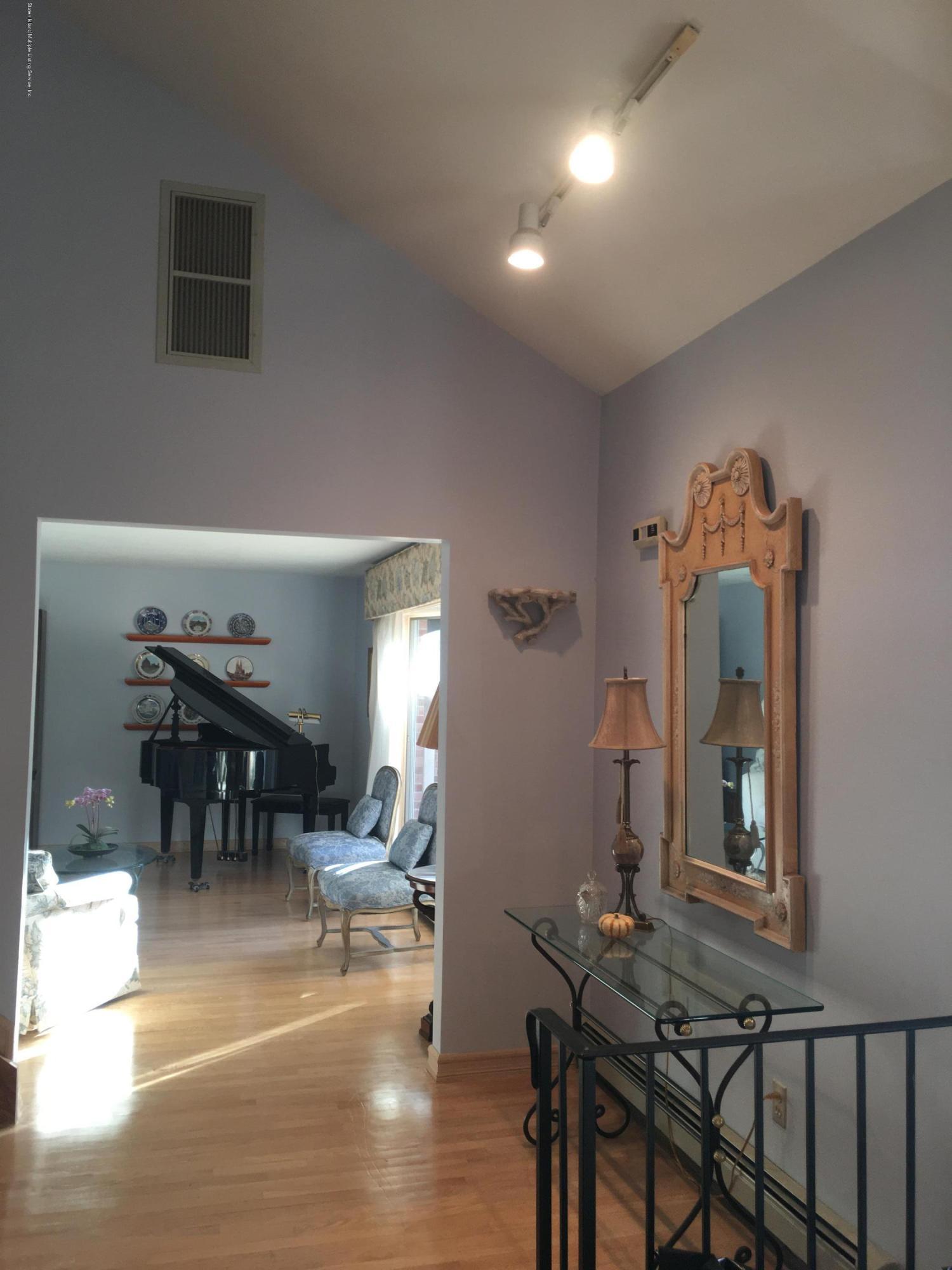 Single Family - Detached 731 Metropolitan Avenue  Staten Island, NY 10301, MLS-1134021-6