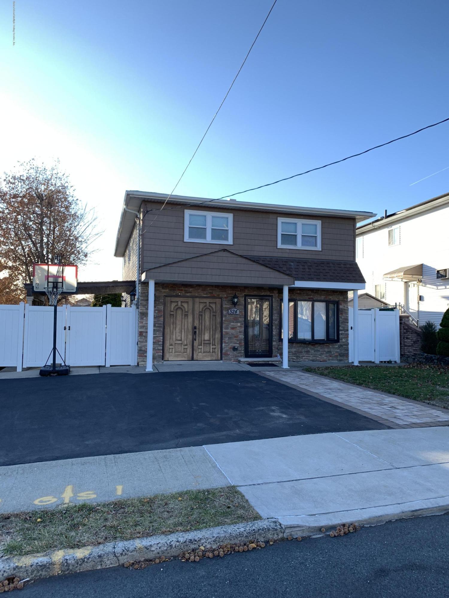 Single Family - Detached in Huguenot - 524 Powell Street  Staten Island, NY 10312