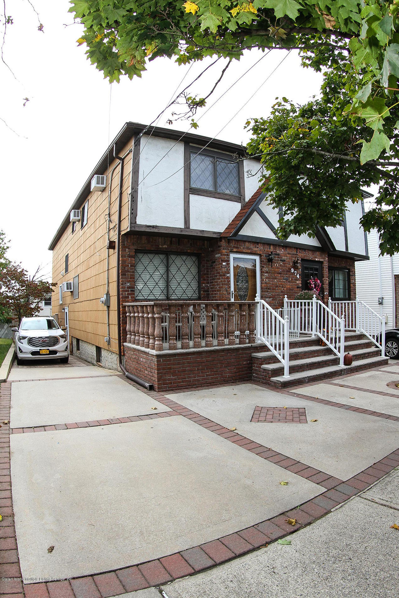 Single Family - Semi-Attached 972 Rensselaer Avenue  Staten Island, NY 10309, MLS-1134144-2
