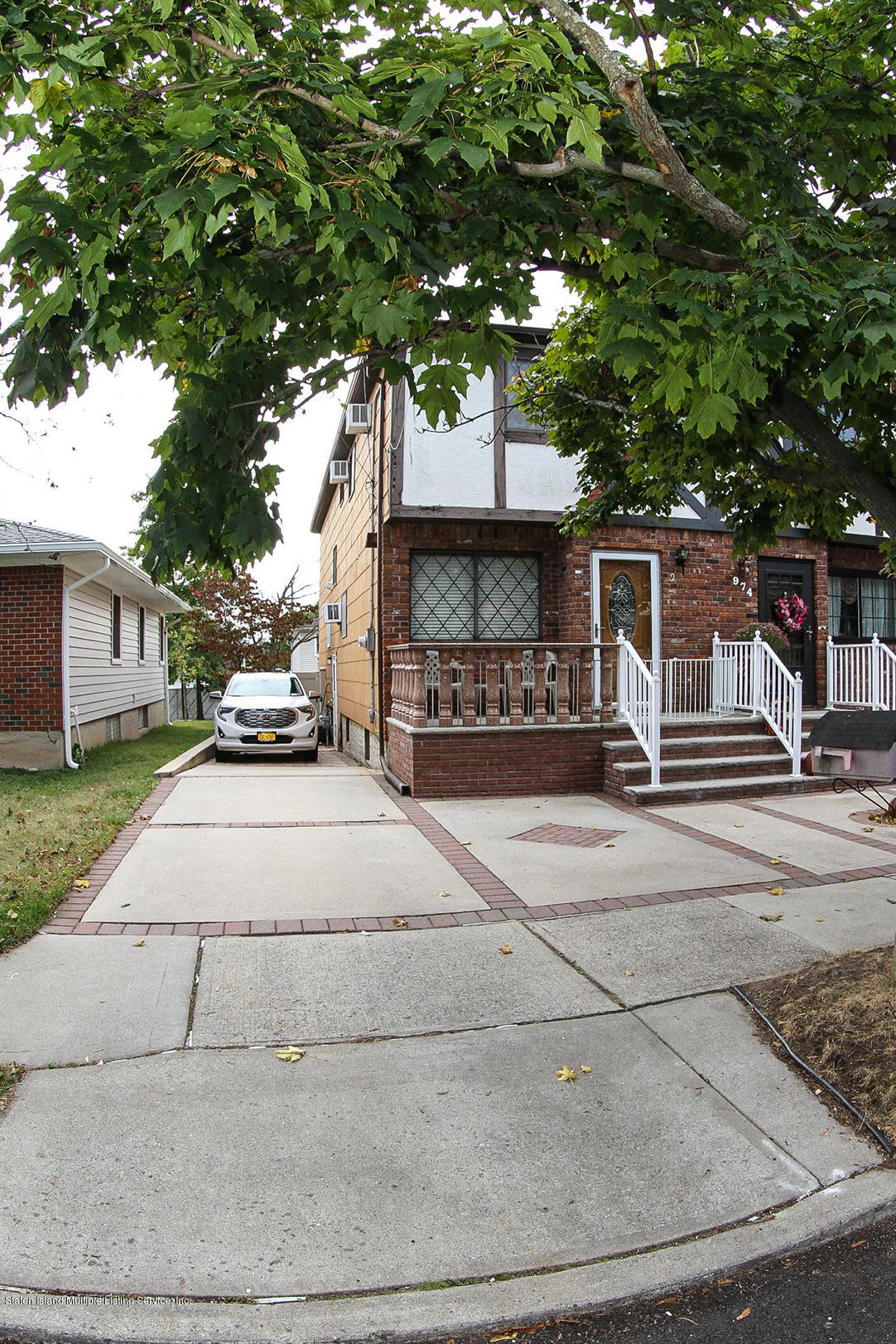 Single Family - Semi-Attached 972 Rensselaer Avenue  Staten Island, NY 10309, MLS-1134144-3