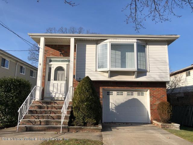 Single Family - Detached in Lower Todt Hill - 8 Athena Place  Staten Island, NY 10314