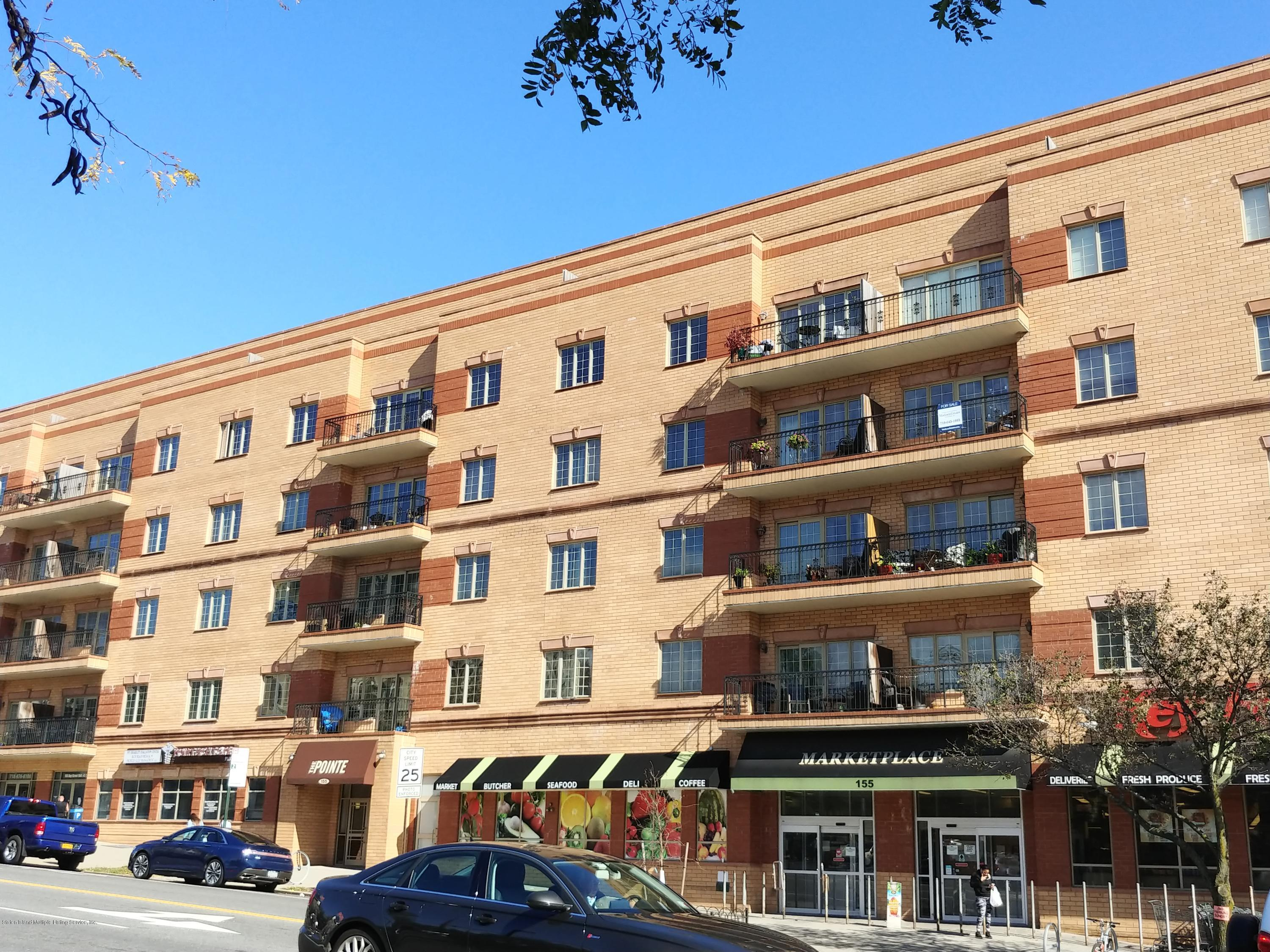 Apartment in St. George - 155 Bay Street 5j  Staten Island, NY 10301