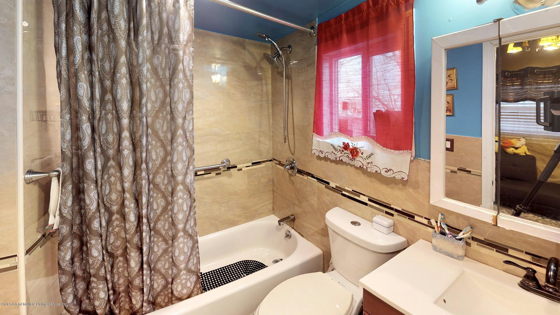 Single Family - Detached 557 Hunter Avenue  Staten Island, NY 10306, MLS-1134462-10