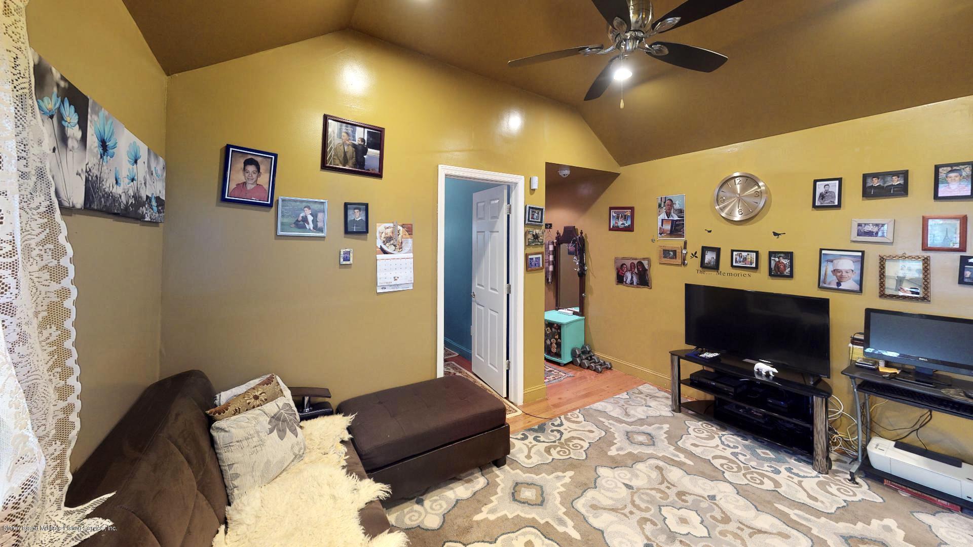 Single Family - Detached 557 Hunter Avenue  Staten Island, NY 10306, MLS-1134462-4