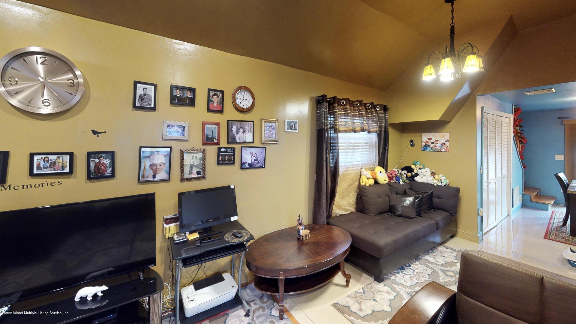 Single Family - Detached 557 Hunter Avenue  Staten Island, NY 10306, MLS-1134462-5