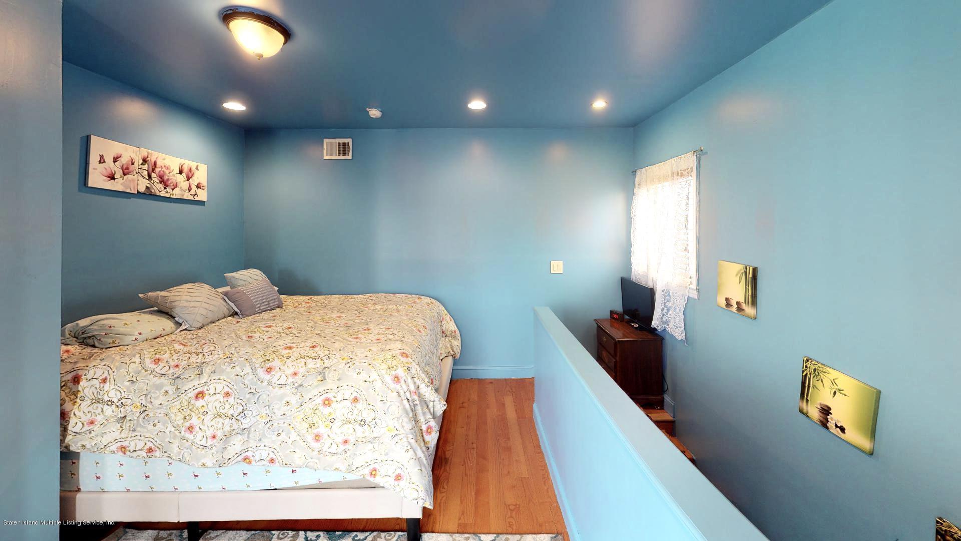 Single Family - Detached 557 Hunter Avenue  Staten Island, NY 10306, MLS-1134462-12