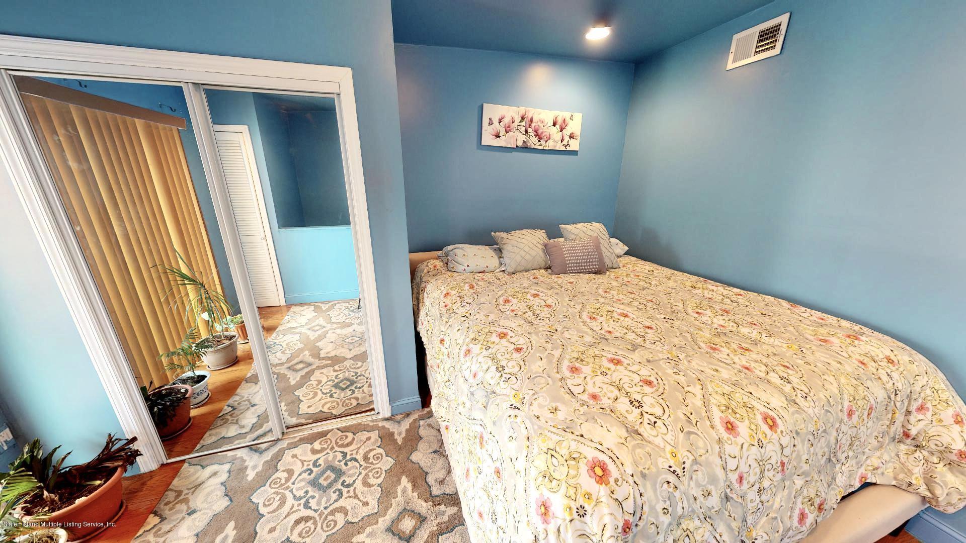 Single Family - Detached 557 Hunter Avenue  Staten Island, NY 10306, MLS-1134462-13