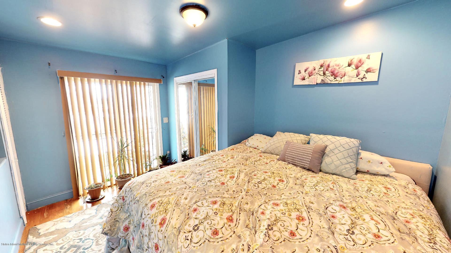 Single Family - Detached 557 Hunter Avenue  Staten Island, NY 10306, MLS-1134462-14