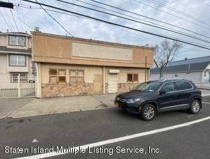 489 Midland Avenue, Staten Island, NY 10306