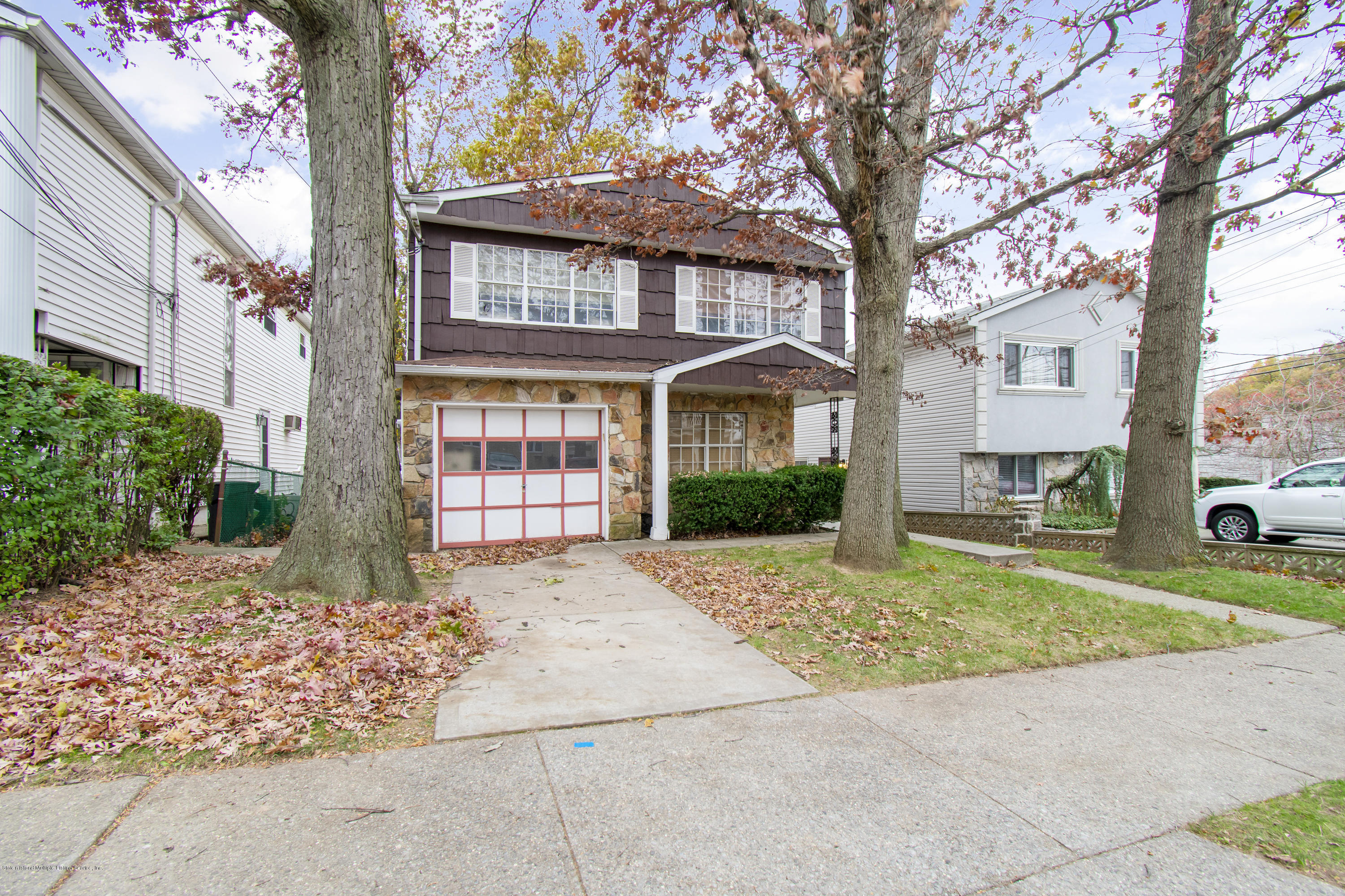 Single Family - Detached in Willowbrook - 616 Ingram Avenue  Staten Island, NY 10314