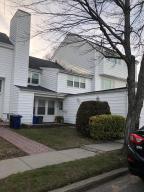 32 Dover Green, Staten Island, NY 10312