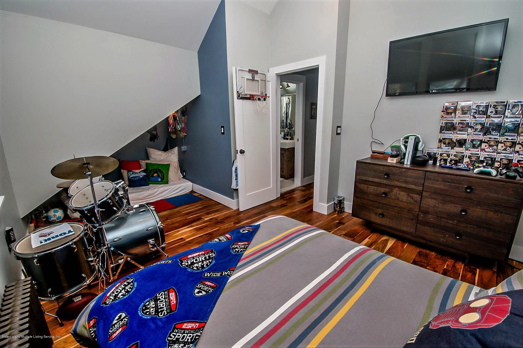 Single Family - Detached 621 Manor Road  Staten Island, NY 10314, MLS-1135031-16