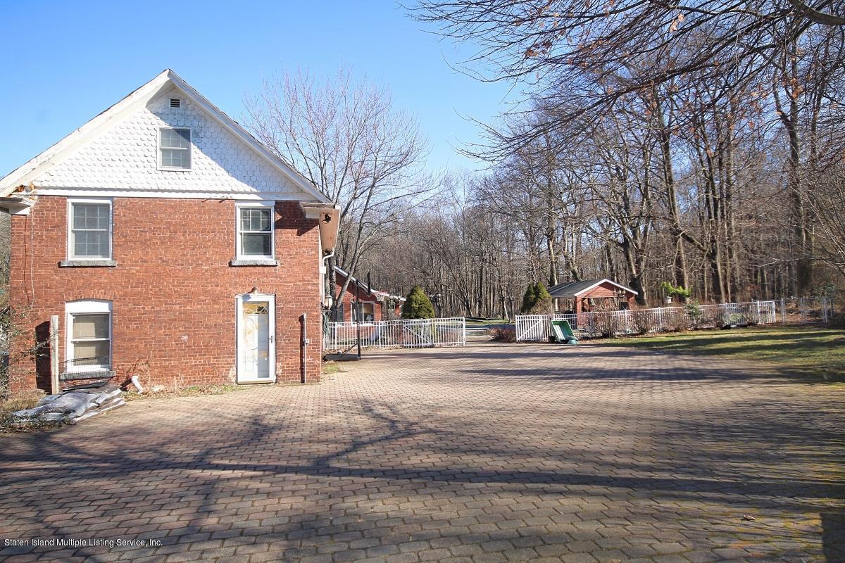 Single Family - Detached 193 Seguine Avenue   Staten Island, NY 10309, MLS-1134179-34