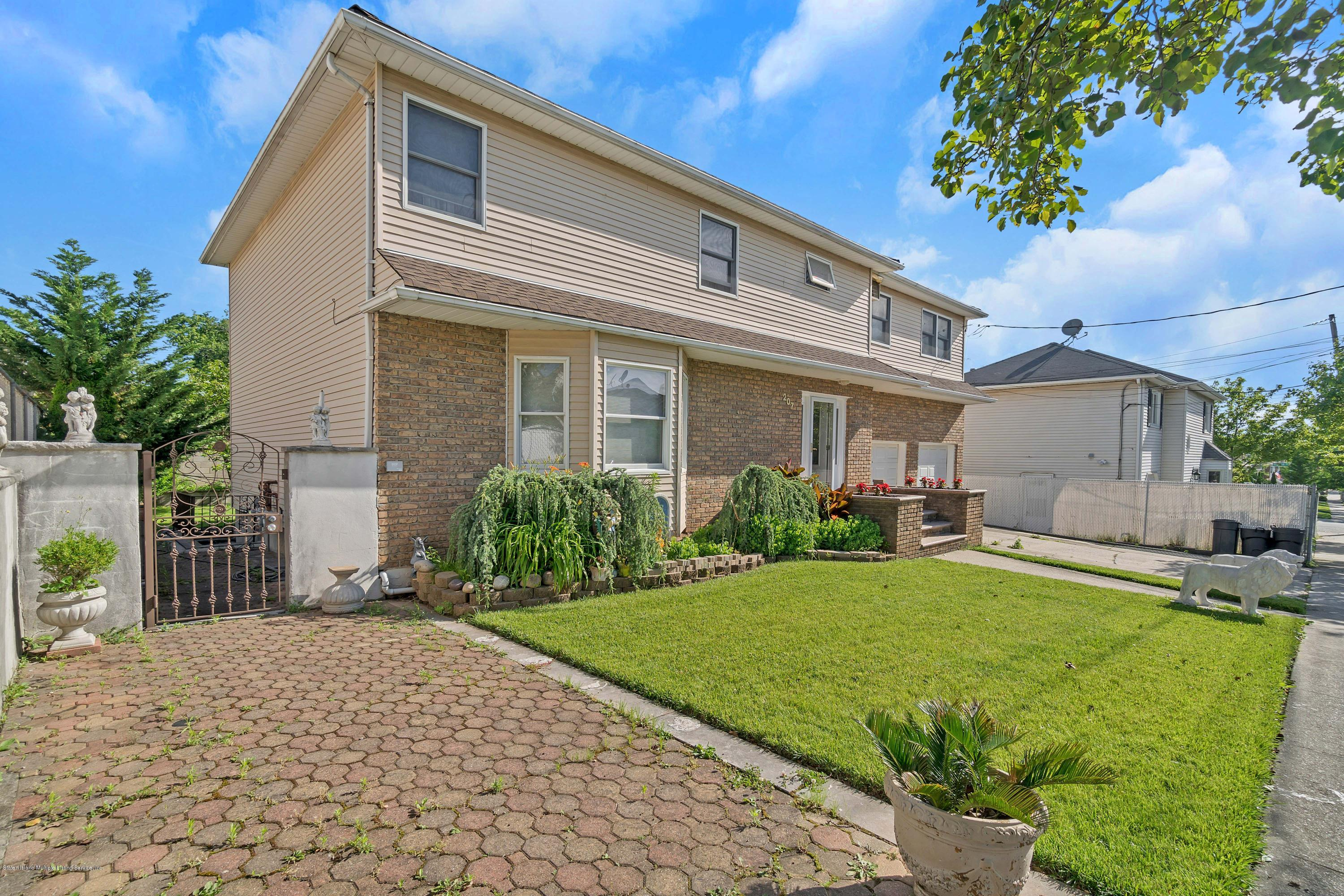 Two Family - Detached 207 Darlington Ave   Staten Island, NY 10312, MLS-1135189-3