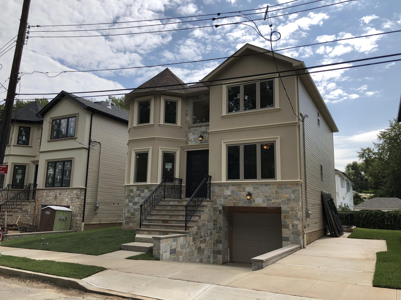 Single Family - Detached in S.E. Annadale - 218 Billiou Street  Staten Island, NY 10312
