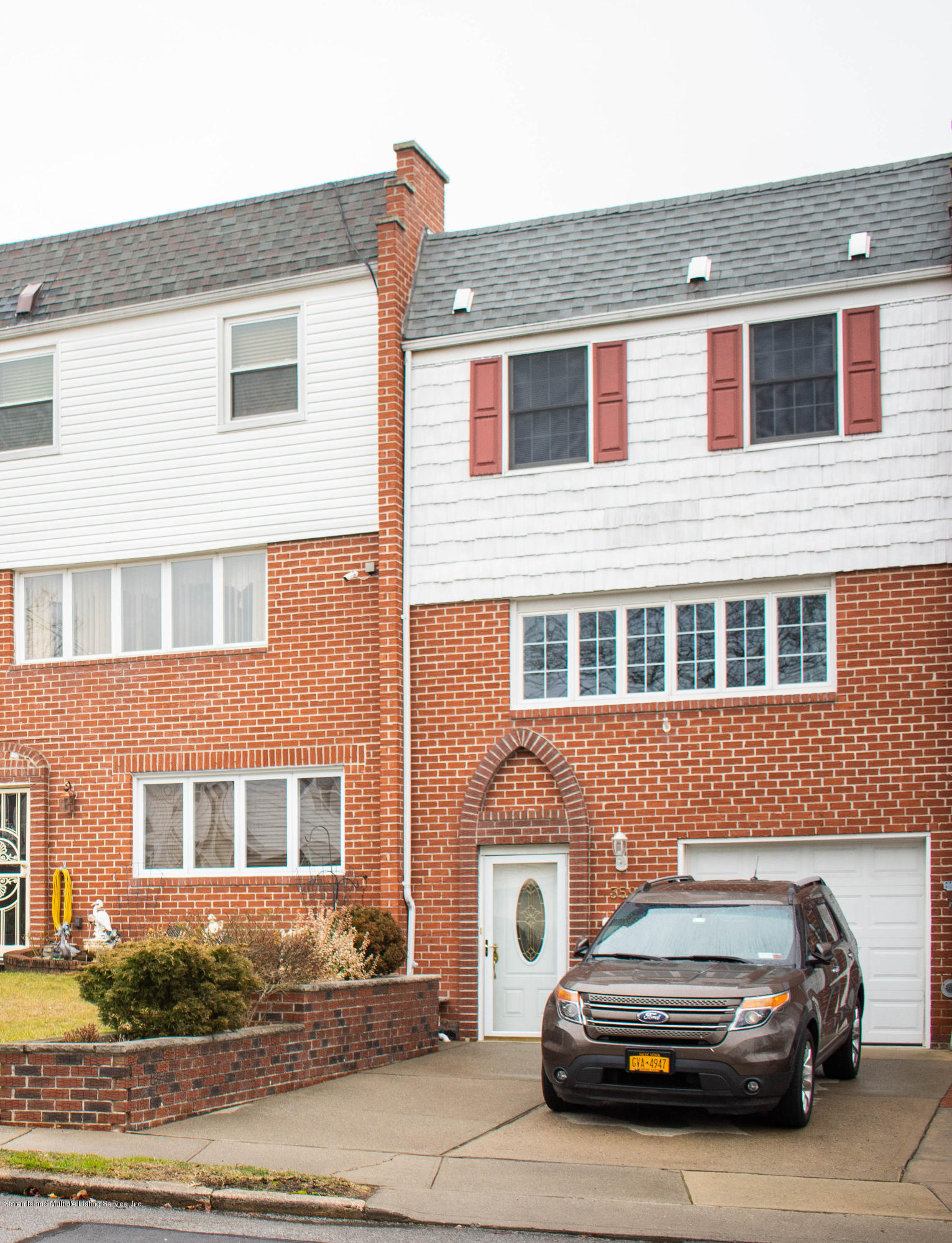 Single Family - Attached in Manor Heights - 359 Fanning Street  Staten Island, NY 10314