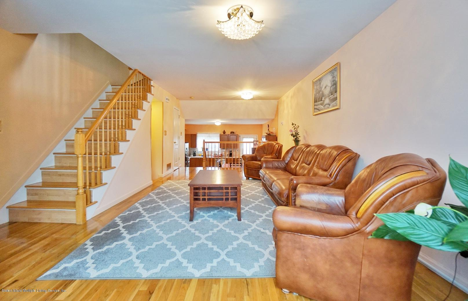 Single Family - Attached 30 Cranberry Court  Staten Island, NY 10309, MLS-1135421-4