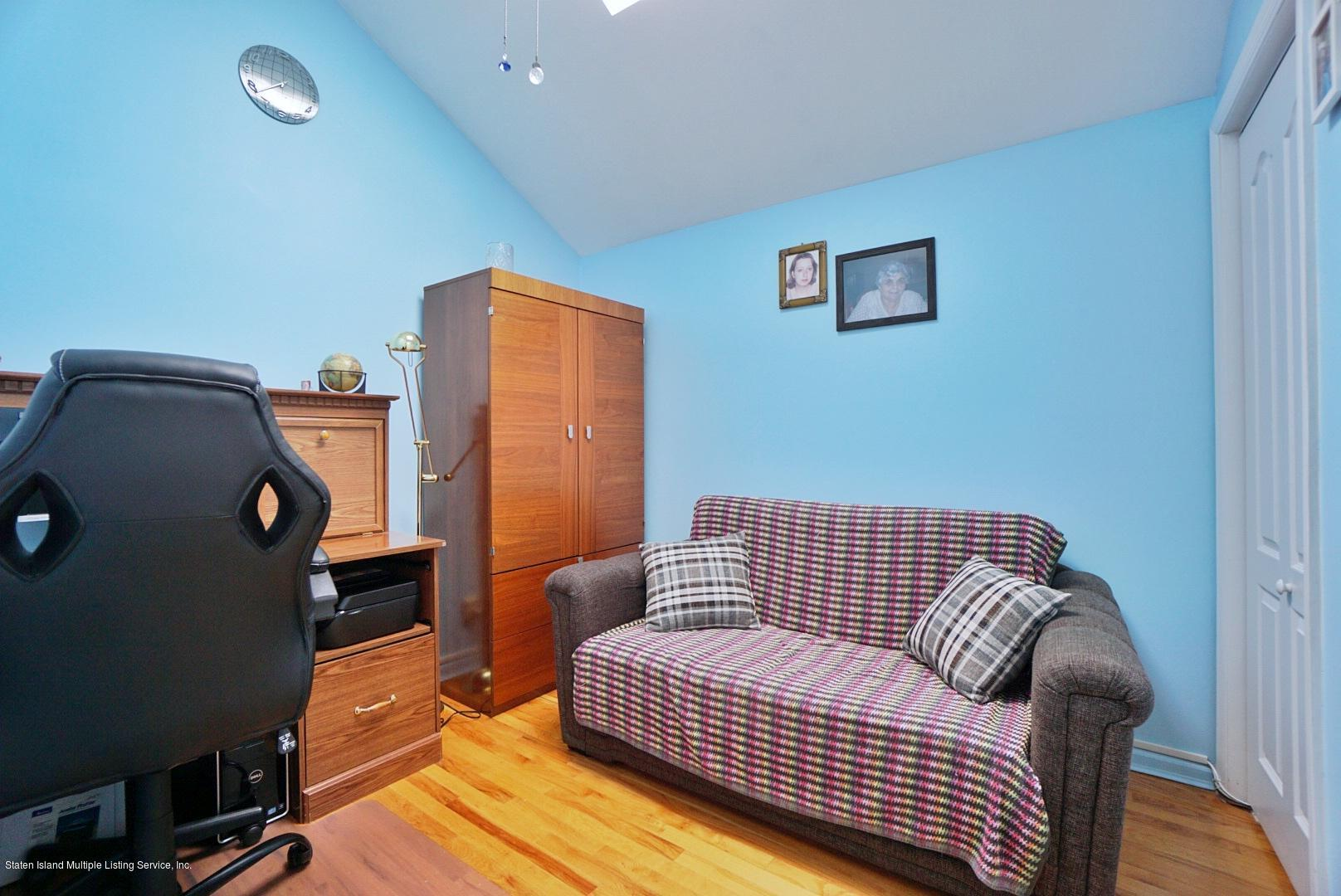 Single Family - Attached 30 Cranberry Court  Staten Island, NY 10309, MLS-1135421-23