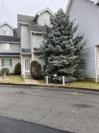 41 Fairlawn Loop, Staten Island, NY 10308