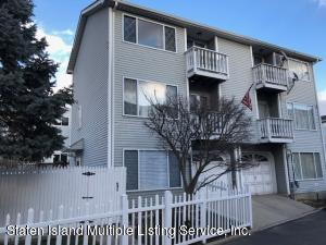 25 Simmons Loop, Staten Island, NY 10314
