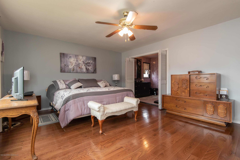 Single Family - Detached 229 Albourne Avenue  Staten Island, NY 10309, MLS-1132982-24
