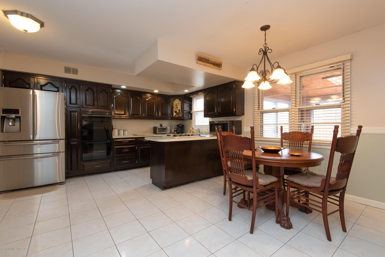 Single Family - Detached 229 Albourne Avenue  Staten Island, NY 10309, MLS-1132982-19