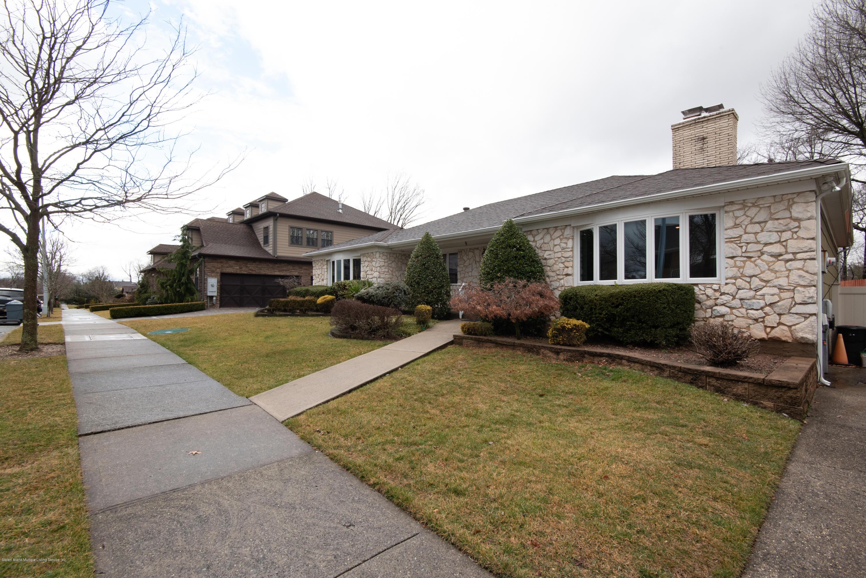 Single Family - Detached 229 Albourne Avenue  Staten Island, NY 10309, MLS-1132982-3
