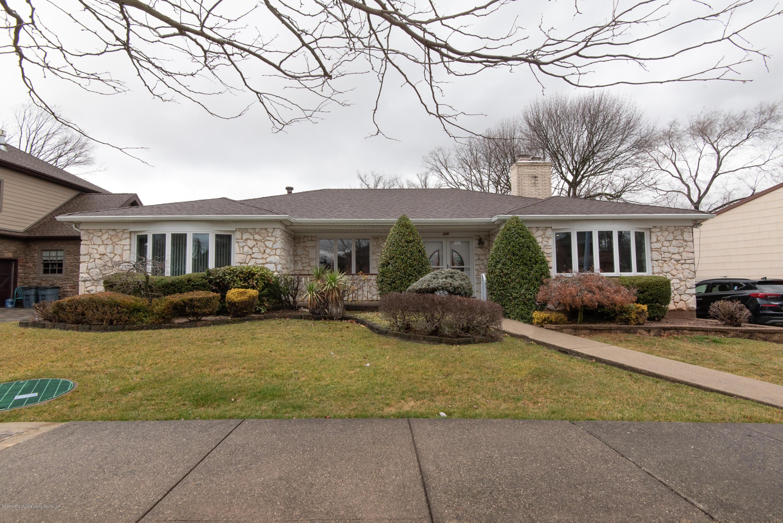 Single Family - Detached 229 Albourne Avenue  Staten Island, NY 10309, MLS-1132982-2