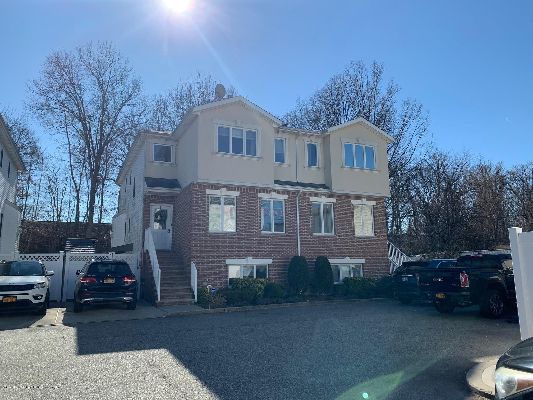 Single Family - Semi-Attached in Eltingville - 29 Coco Court  Staten Island, NY 10312