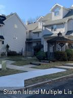 24 Fairlawn Loop, Staten Island, NY 10308