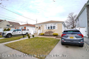 421 Colon Avenue, Staten Island, NY 10308