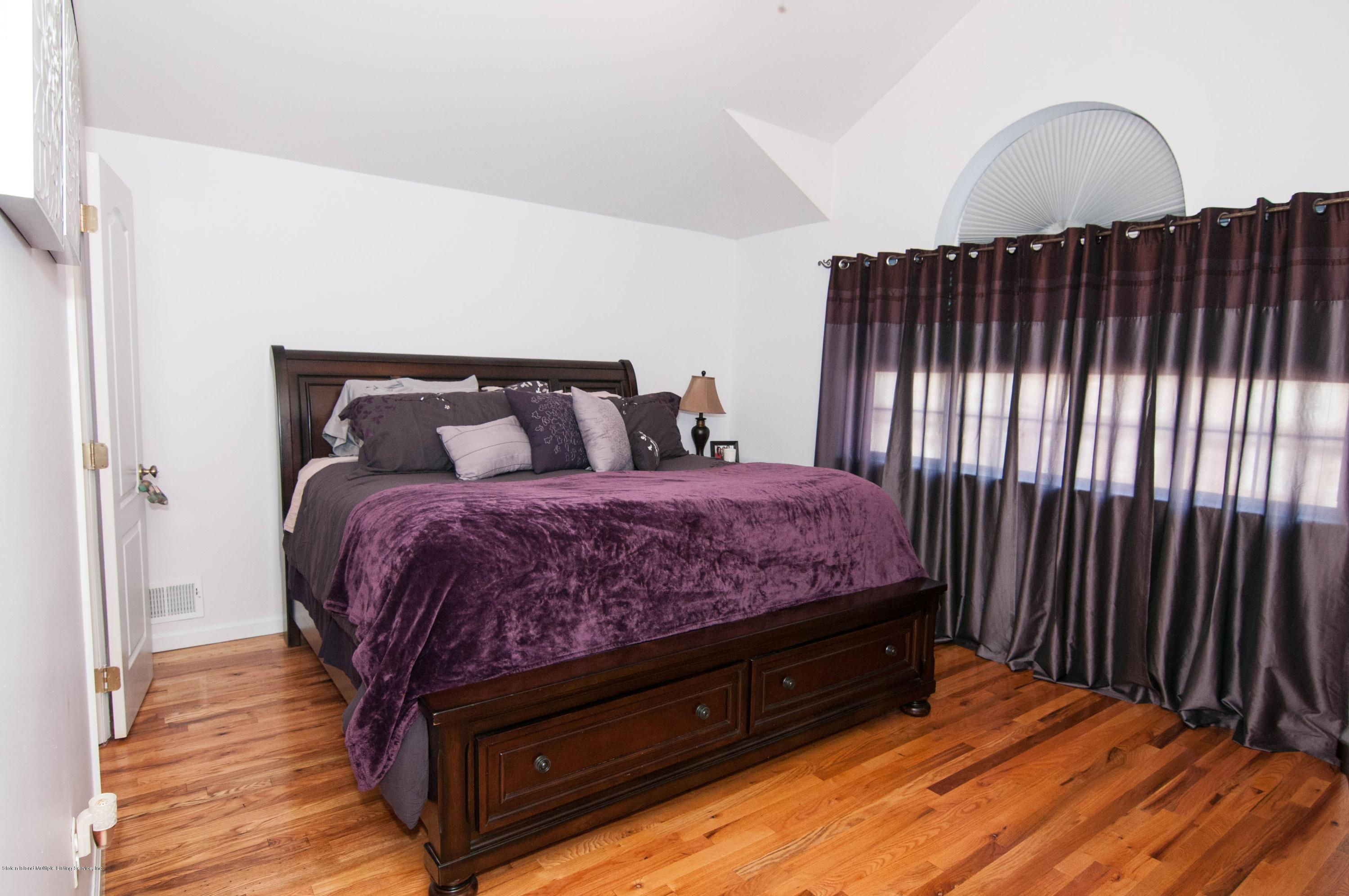Single Family - Attached 56 Endview Street  Staten Island, NY 10312, MLS-1131439-15